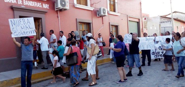 Presión ciudadana logra revocación de José Gómez, al querer vender 13 áreas públicas