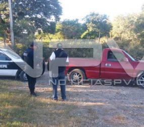 Roban camioneta en la tienda Kiosko de El Manguito