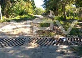 Denuncian calles destrozadas  en poblado Valle de Banderas