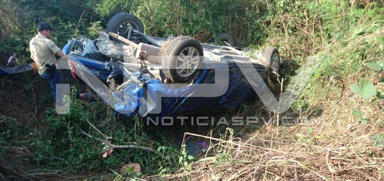 Vecino de Punta de Mita se mató en una volcadura